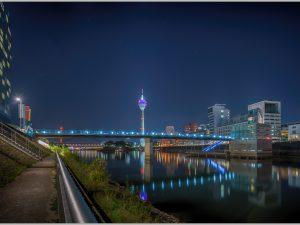 LED Bild Düsseldorf Medienhafen