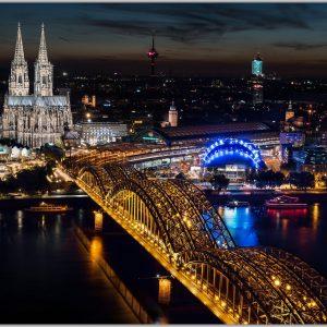 LED Bild Köln bei Nacht
